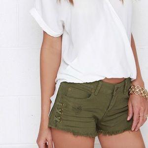 Billabong | Distressed Olive Green Cut Off Shorts
